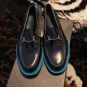 f5ed7eebf64 Gucci. Authentic horsebit Gucci loafers